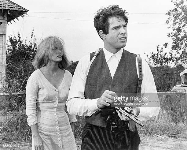 Actors Warren Beatty as Clyde Barrow and Faye Dunaway as Bonnie Parker in the film 'Bonnie and Clyde' 1967
