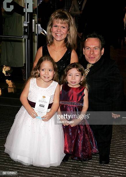 Actors Warwick Davis and his wife actress Samantha Davis and their daughters arrive at the World Premiere of Harry Potter And The Goblet Of Fire at...