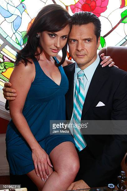 Actors Wendy Braga and Ariel Lopez Padilla during the recording of the soap opera Quiereme Tonto of Azteca TV at Xochimilco on June 8 2010 in Mexico...