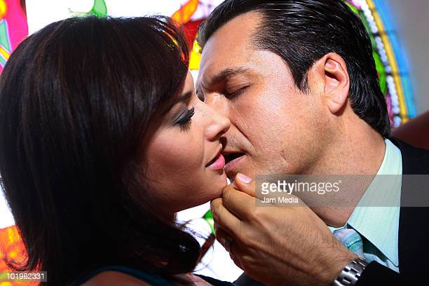 Actors Wendy Braga and Ariel Lopez Padilla kiss during the recording of the soap opera Quiereme Tonto of Azteca TV at Xochimilco on June 8 2010 in...