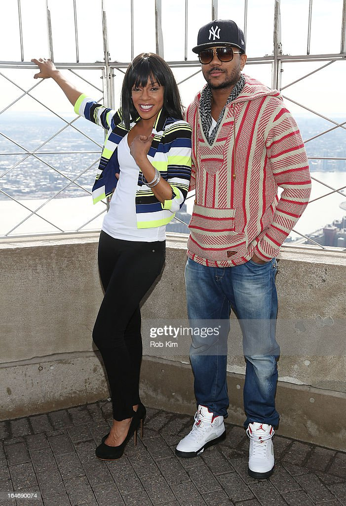 Wendy Raquel Robinson And Hosea Chanchez Visit The Empire State Building : News Photo