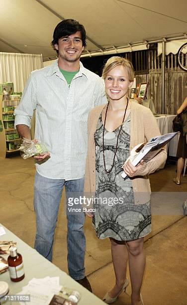 Actors Wes Brown and Kristen Bell attend a cocktail reception for 'The Green Experience' eco event on June 27 2006 at Trellis in Los Angeles...