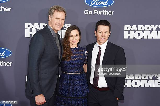 Actors Will Ferrell Linda Cardellini and Mark Wahlberg attend the Daddy's Home New York premiere at AMC Lincoln Square Theater on December 13 2015 in...