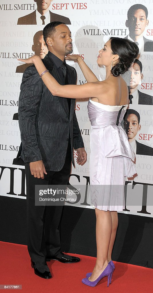 Actors Will Smith and Rosario Dawson attend the Paris Photocall of Seven Pounds at the Gaumont Champs-Elysees on January 5, 2009 in Paris, France.