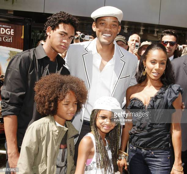 Actors Will Smith Jada Pinkett Smith and their sons Trey Jaden and daughter Willow arrive at the premiere of Picturehouse's Kit Kittredge An American...