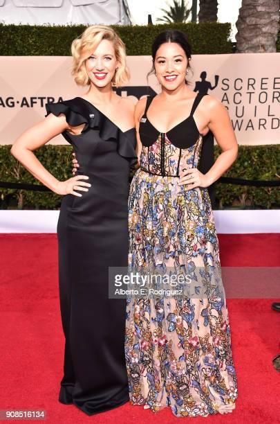 Actors Yael Grobglas and Gina Rodriguez attend the 24th Annual Screen Actors Guild Awards at The Shrine Auditorium on January 21 2018 in Los Angeles...