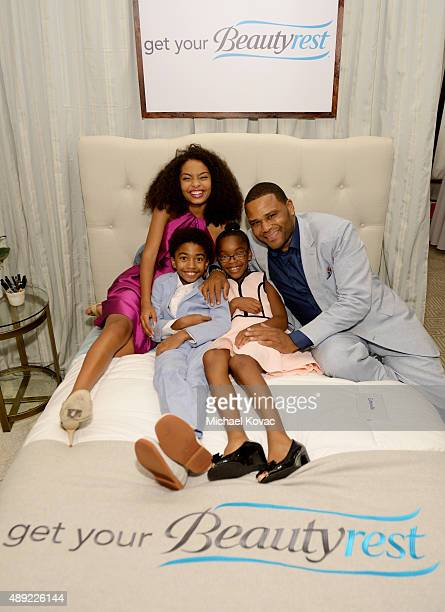 """Actors Yara Shahidi, Miles Brown, Marsai Martin and Anthony Anderson got their beauty rest with Beautyrest Mattresses at EXTRA's """"WEEKEND OF  ..."""