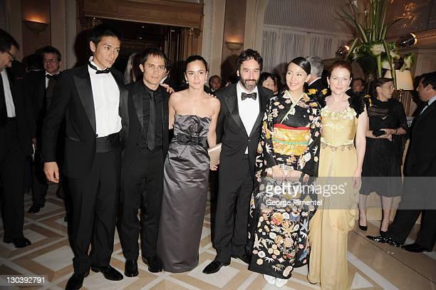 Actors Yusuke Iseya Gael Garcia Bernal Alice Braga Don McKellar Yoshino Kimura and Julianne Moore attend the Blindness opening night dinner at the...