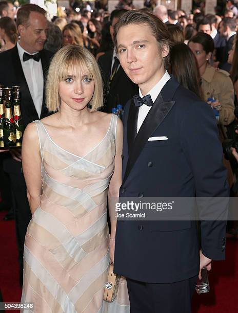 Actors Zoe Kazan and Paul Dano attend the 73rd Annual Golden Globe Awards held at the Beverly Hilton Hotel on January 10 2016 in Beverly Hills...