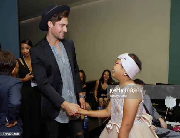 Actor/singer James Maslow with Wish Kids at the 2017 Make a Wish Gala on November 9 2017 in Los Angeles California