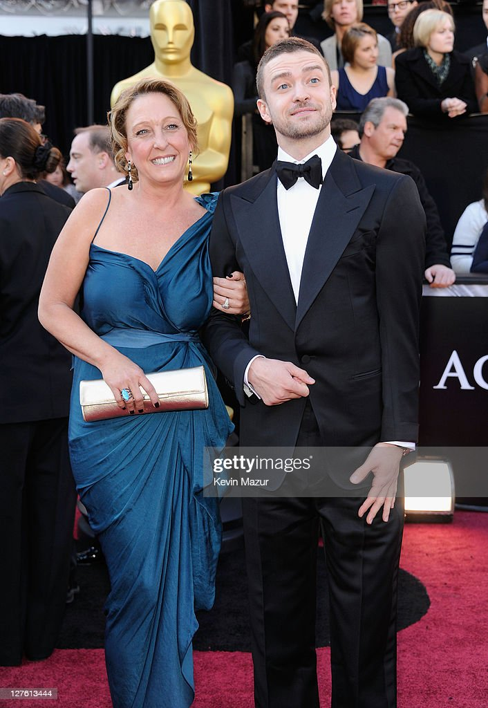 Actor/singer Justin Timberlake (R) and his mother Lynn Harless arrive at the 83rd Annual Academy Awards held at the Kodak Theatre on February 27, 2011 in Hollywood, California.