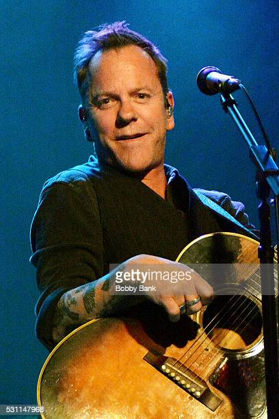 Actor/singer Kiefer Sutherland performs from his new album Down In A Hole at Mexicali Live on May 12 2016 in Teaneck New Jersey