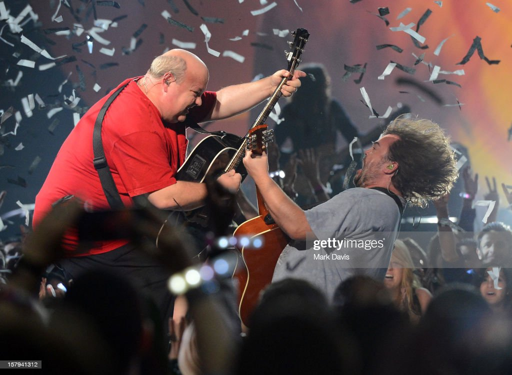 Actors/musicians Kyle Gass (L) and Jack Black (R) of Tenacious D performs onstage during Spike TV's 10th annual Video Game Awards at Sony Studios on December 7, 2012 in Culver City, California.