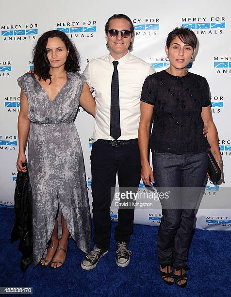Actors/siblings Rain Phoenix Joaquin Phoenix and Summer Phoenix attend the Hidden Heroes Gala presented by Mercy for Animals at Unici Casa on August...
