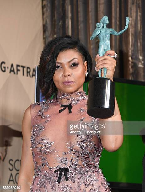 ActorTaraji P Henson corecipient of the Outstanding Performance by a Cast in a Motion Picture award for 'Hidden Figures' poses in the press room...