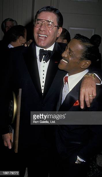 Actos Jerry Lewis and Sammy Davis Jr attend Susie Awards Benefit for the Eddie Cantor Charitable Foundation on May 8 1988 at the Beverly Hilton Hotel...