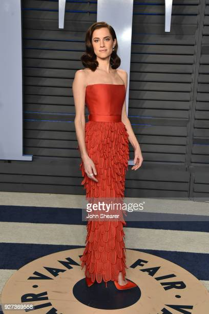 Actres Allison Williams attends the 2018 Vanity Fair Oscar Party hosted by Radhika Jones at Wallis Annenberg Center for the Performing Arts on March...