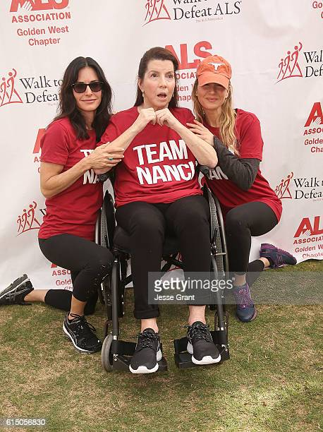 Actres Courteney Cox Nanci Ryder and actress Renee Zellweger attend the ALS Association Golden West Chapter Los Angeles County Walk to Defeat ALS at...