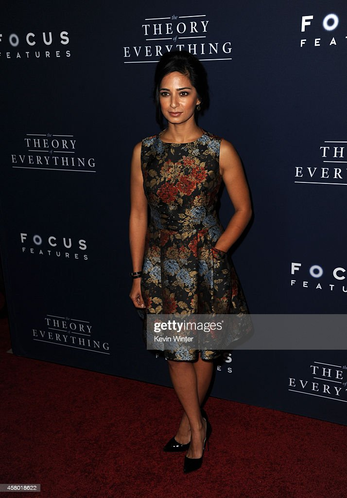 """Premiere Of Focus Features' """"The Theory Of Everything"""" - Red Carpet : ニュース写真"""