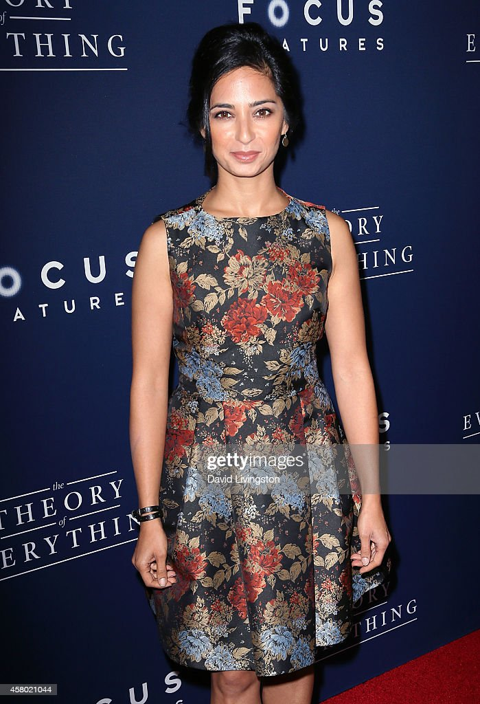 """Premiere Of Focus Features' """"The Theory Of Everything"""" - Arrivals : ニュース写真"""