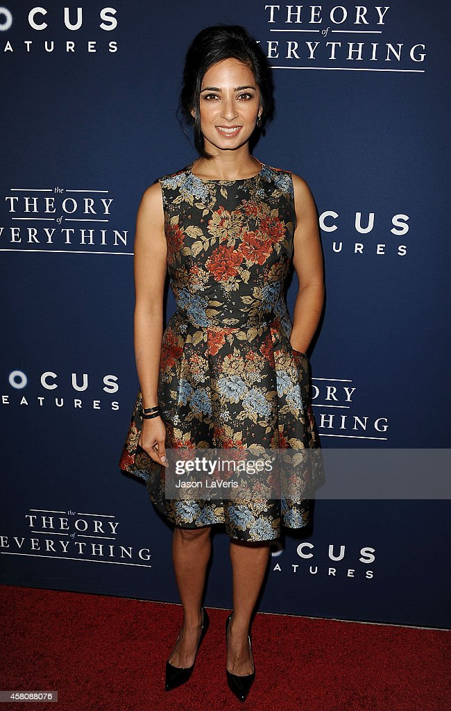 """""""The Theory Of Everything"""" - Los Angeles Premiere : ニュース写真"""