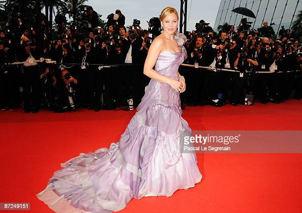 Actress Abbie Cornish attends the Bright Star Premiere held at the Palais Des Festivals during the 62nd International Cannes Film Festival on May 15...