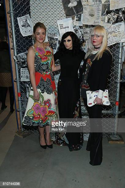 Actress Abby Elliott designer Stacey Bendet and Fiona Byrne attend the alice olivia by Stacey Bendet Fall 2016 presentation at The Gallery Skylight...