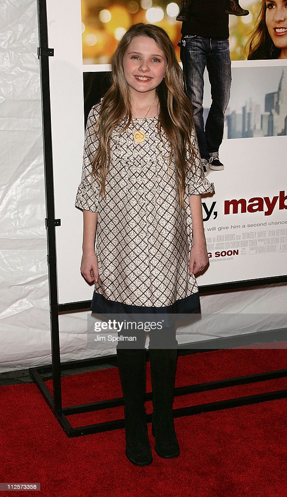 """Definitely, Maybe"" New York Premiere - Outside Arrivals : Nachrichtenfoto"