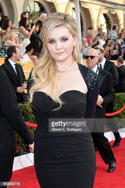 Actress Abigail Breslin attends the 20th Annual Screen Actors Guild Awards at The Shrine Auditorium on January 18, 2014 in Los Angeles, California.