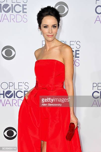 Actress Abigail Spencer arrives at the People's Choice Awards 2016 at Microsoft Theater on January 6 2016 in Los Angeles California