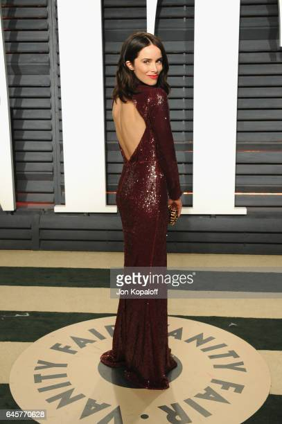 Actress Abigail Spencer attends the 2017 Vanity Fair Oscar Party hosted by Graydon Carter at Wallis Annenberg Center for the Performing Arts on...