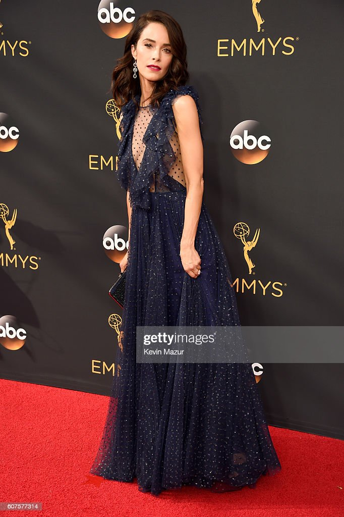 Actress Abigail Spencer attends the 68th Annual Primetime Emmy Awards at Microsoft Theater on September 18, 2016 in Los Angeles, California.