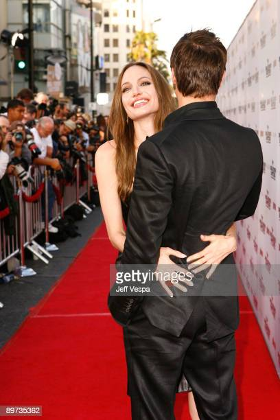 Actress Actress Angelina Jolie and Actor Brad Pitt arrive at the 'Inglourious Basterds' Premiere Presented by The Weinstein Co held at Grauman's...