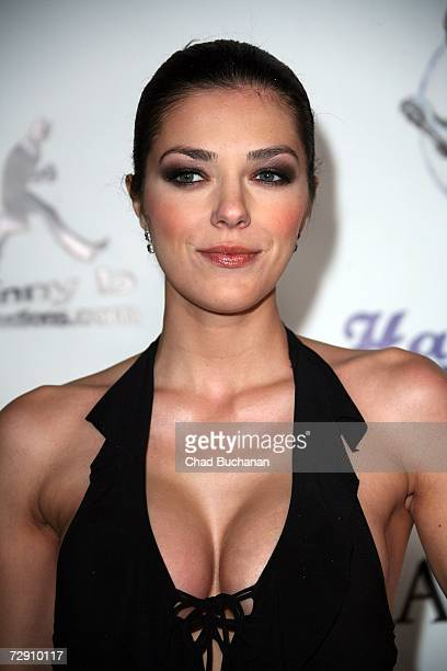 Actress Adrianne Curry attends Hardball Productions and Flaunt Magazine's 2nd Annual New Year's Eve Bash at Paramount Studios on December 31 2006 in...