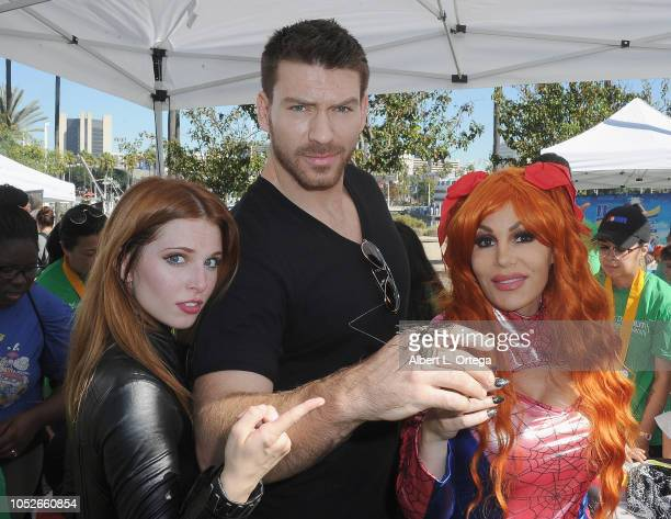 Actress Ainsley Ross actor Jesse Kove poses with a Harry Potter bug and actress/bug wrangler Diana Teranova attend Easter Seals Southern California's...