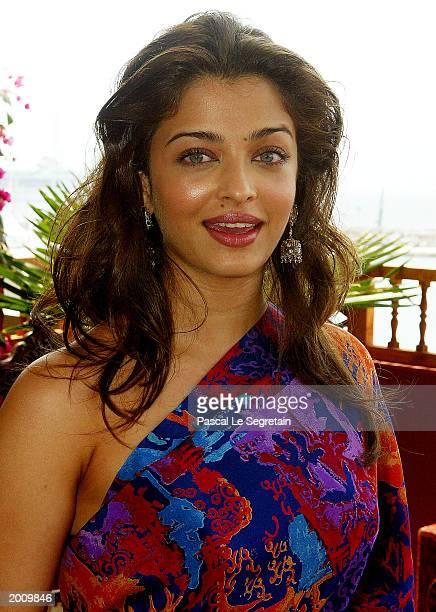 Actress Aishwarya Rai pose during the Chevalier Des Arts Et Des Lettres Award Ceremony on May 18 2003 in Cannes France