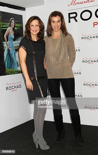 Actress Aitana Sanchez Gijon and writer Carmen Posadas present Aitana Sanchez Gijon 'Magic Moments' at the Vincci Hotel on December 3 2009 in Madrid...