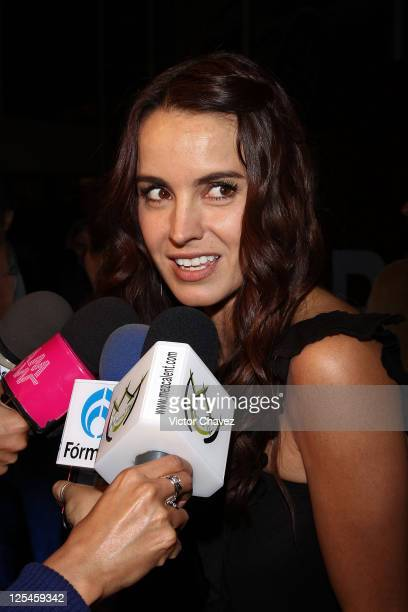 Actress Alejandra Barros speaks with the press during the Mexico City Premiere of 'Biutful' at Cinemex Antara Polanco on October 18 2010 in Mexico...