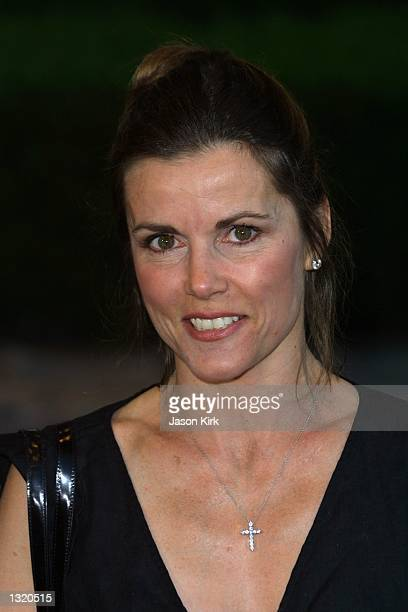 """Actress Alex Donnelley arrives at the world premiere of the film """"Lara Croft: Tomb Raider"""" June 11, 2001 in Westwood, CA."""