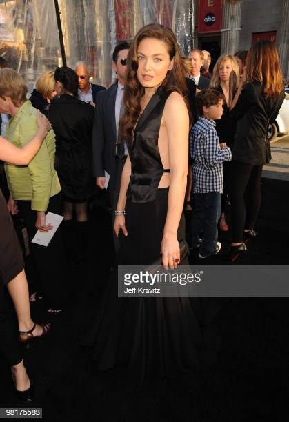 """Actress Alexa Davalos arrives to the premiere """"Clash Of The Titans"""" held at Grauman's Chinese Theatre on March 31, 2010 in Los Angeles, California.."""