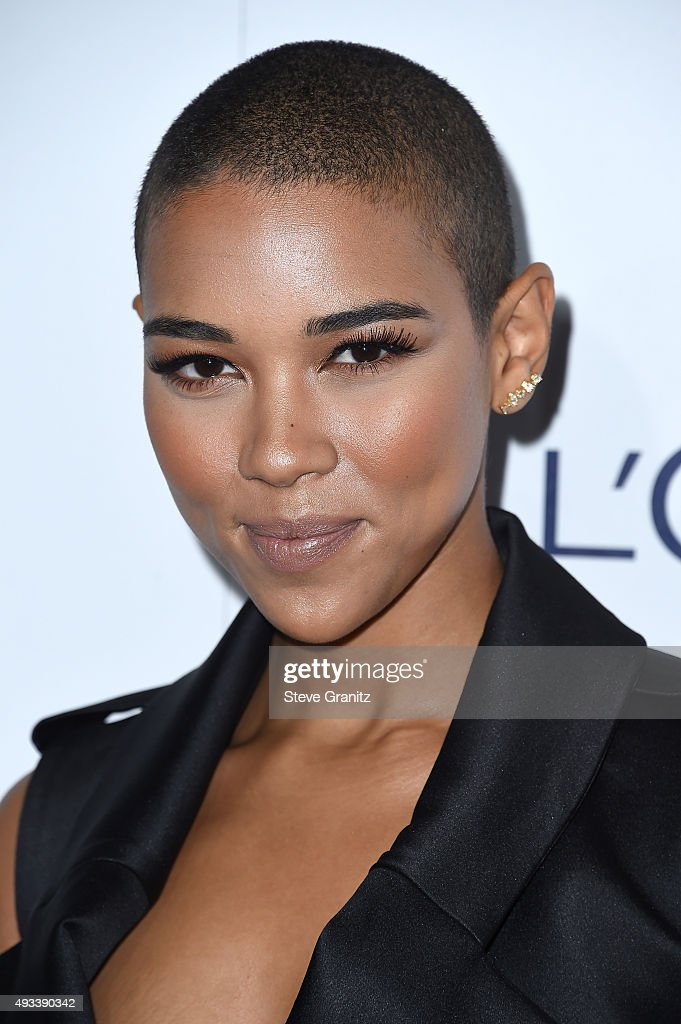 22nd Annual ELLE Women In Hollywood Awards - Arrivals : News Photo