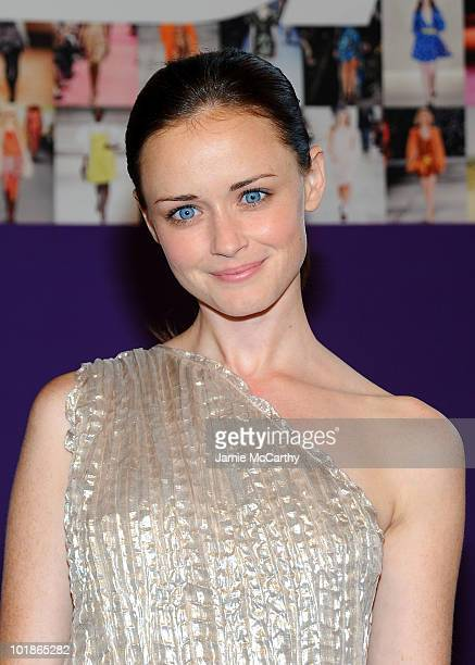 Actress Alexis Bledel attends the 2010 CFDA Fashion Awards at Alice Tully Hall at Lincoln Center on June 7 2010 in New York City