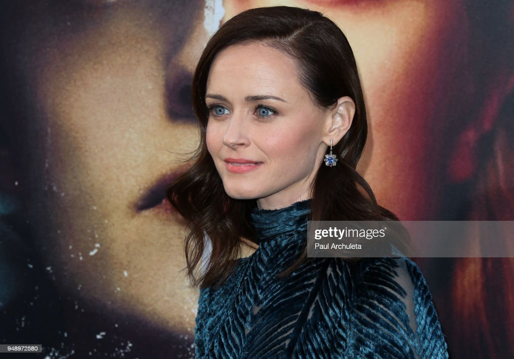 "Premiere Of Hulu's ""The Handmaid's Tale"" Season 2 - Arrivals : Nieuwsfoto's"