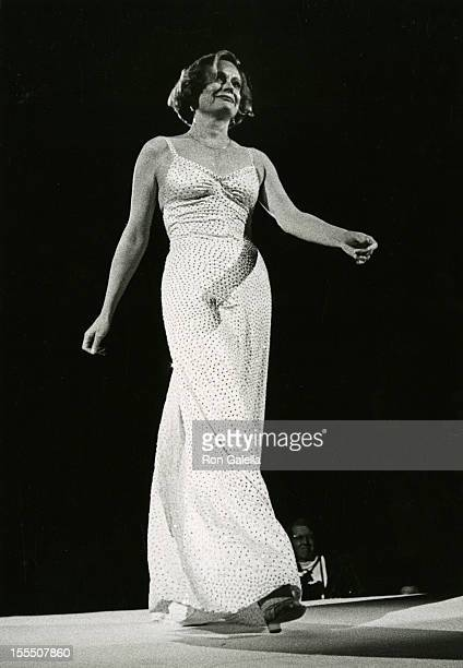Actress Alexis Smith attends Legends Fashion Show on November 15 1974 at the Waldorf Hotel in New York City
