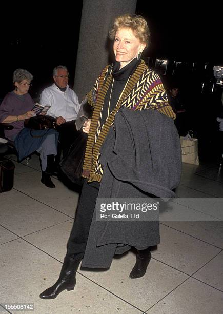 Actress Alexis Smith on February 17 1993 arrives at the Los Angeles International Airport in Los Angeles California