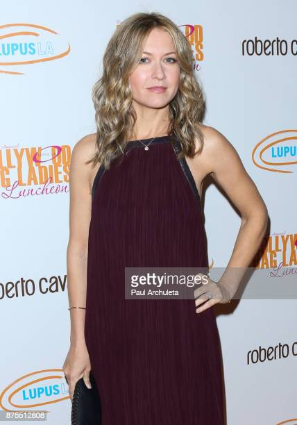 Actress Ali Hillis attends the Lupus LA 15th annual Hollywood Bag Ladies Lunch at The Beverly Hilton Hotel on November 17 2017 in Beverly Hills...