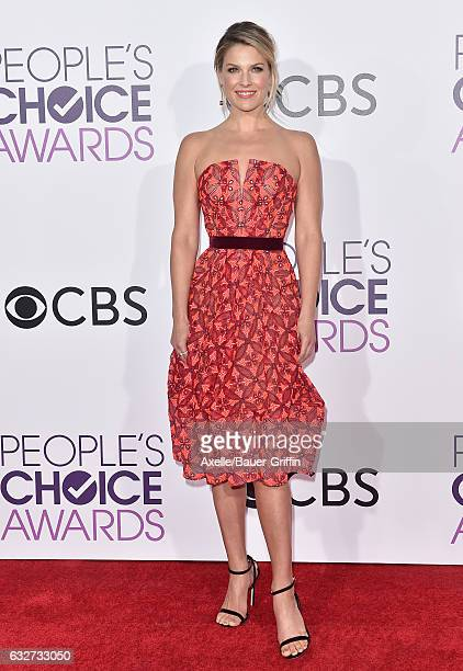 Actress Ali Larter arrives at the 2017 People's Choice Awards at Microsoft Theater on January 18 2017 in Los Angeles California
