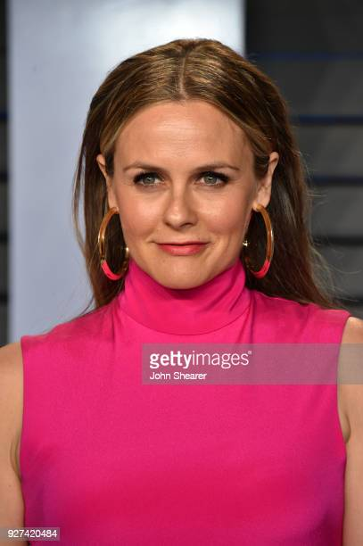 Actress Alicia Silverstone attends the 2018 Vanity Fair Oscar Party hosted by Radhika Jones at Wallis Annenberg Center for the Performing Arts on...