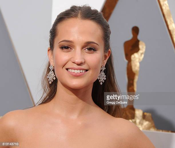 Actress Alicia Vikander arrives at the 88th Annual Academy Awards at Hollywood Highland Center on February 28 2016 in Hollywood California