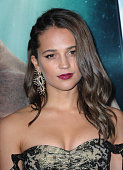 hollywood ca actress alicia vikander arrives